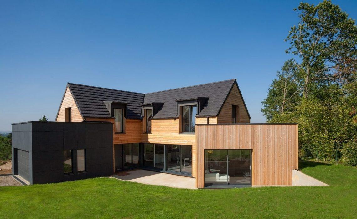 villa bois avec ardoises