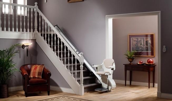 les principaux types de monte escalier disponibles sur le march l 39 univers r cr atif sur la. Black Bedroom Furniture Sets. Home Design Ideas